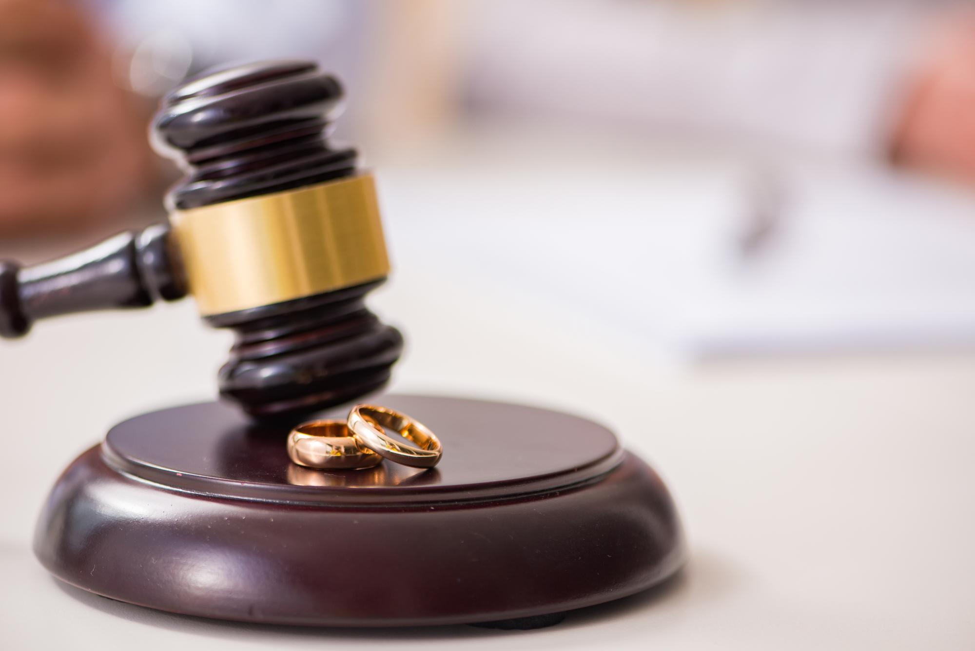 Divorce Lawyers | Affordable Divorce Attorneys | Carosella